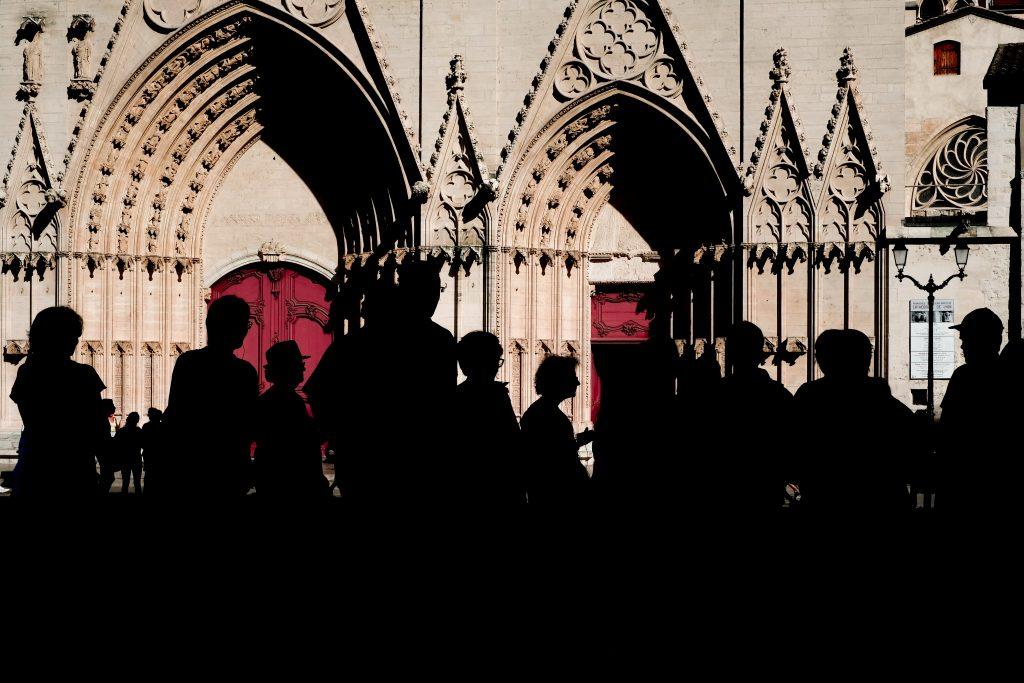 Le travail des silhouettes, un style en photo de rue