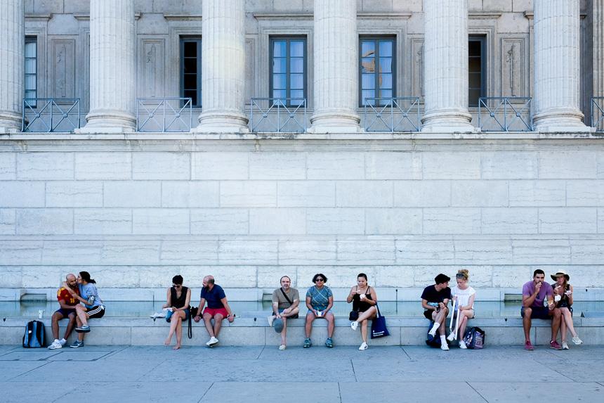 les lieux touristiques assurent de rester discret pour un photographe