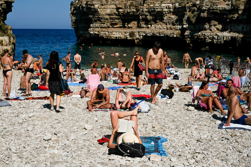 les plages, lieux de loisirs où les photographes passent souvent inaperçus